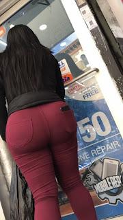 Mujeres caderonas calle pantalones apretados
