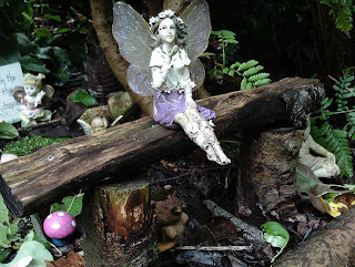 Fairy garden wooden seat, a simple DIY project, Green Fingered Blog