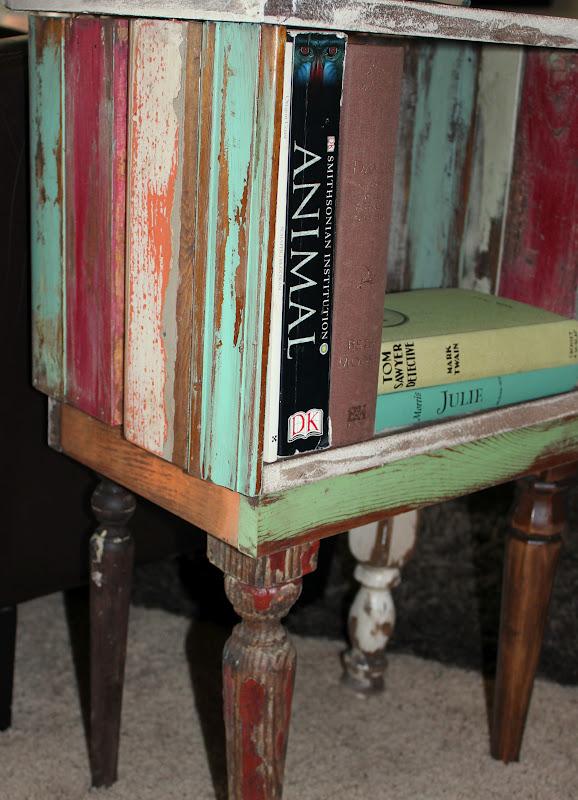 scrap wood side table reclaimed wood http://bec4-beyondthepicketfence.blogspot.com/2012/03/when-life-gives-you-scraps.html