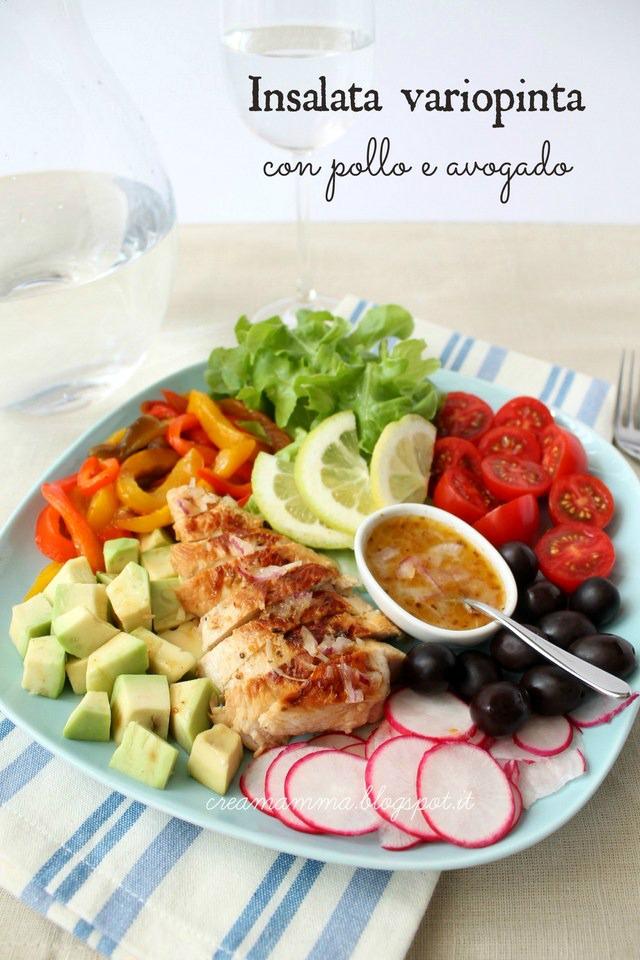 insalata pollo avogado peperoni olive
