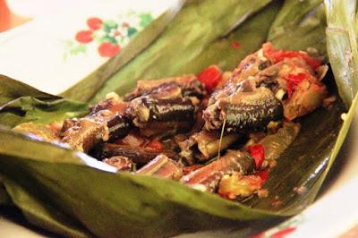 10 Kuliner Makanan Khas Sleman, Yogyakarta Yang Wajib Anda Nikmati - Pepes Belut Godean