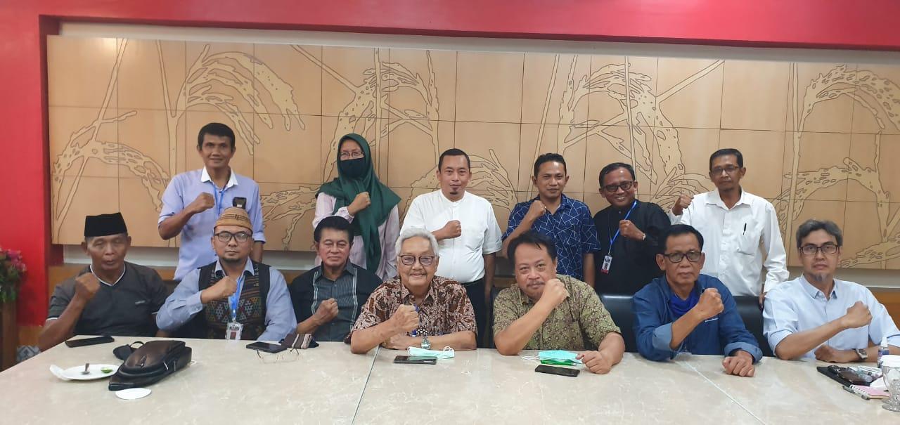 Rakyatnya Sendiri Ditekan Sementara TKA China Dibebaskan, KAMI se-Jawa: Jokowi Keblinger!