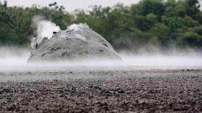 Bledug Kuwu ready to erupt