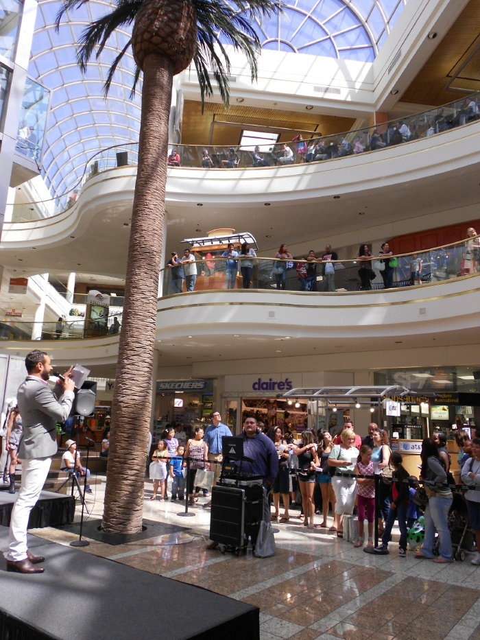 South Bay Galleria Blogtopia Hosted By Nick Verreos September 14 Rsvp