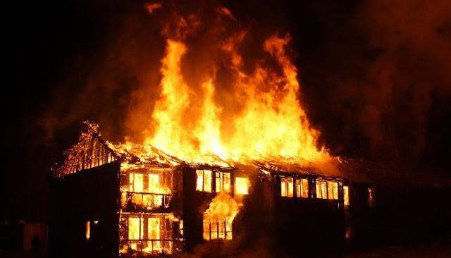 Слепой мужчина бросился в горящий дом и спас 84-летнюю соседку!