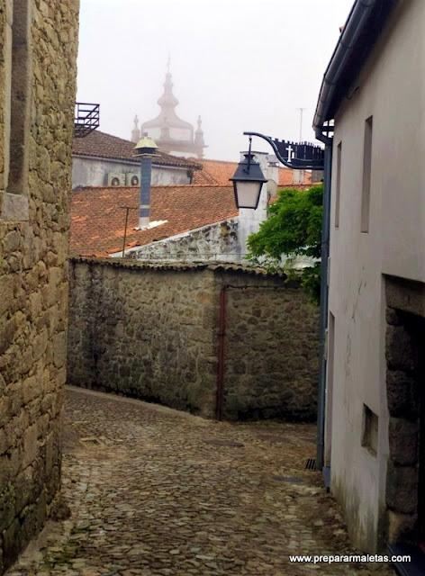 calles bonitas de Trancoso en Portugal