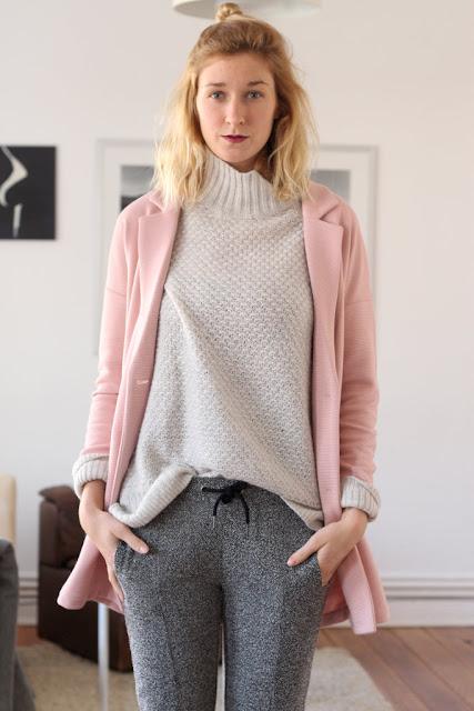 Farben Grau und Rosa: Outfit bei Modeblog Kiel