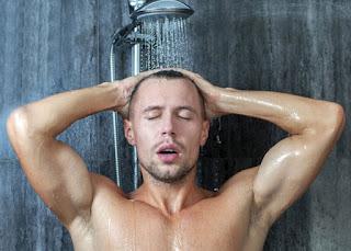 الوقت المناسب للاستحمام بعد آداء التمرين وأهميته