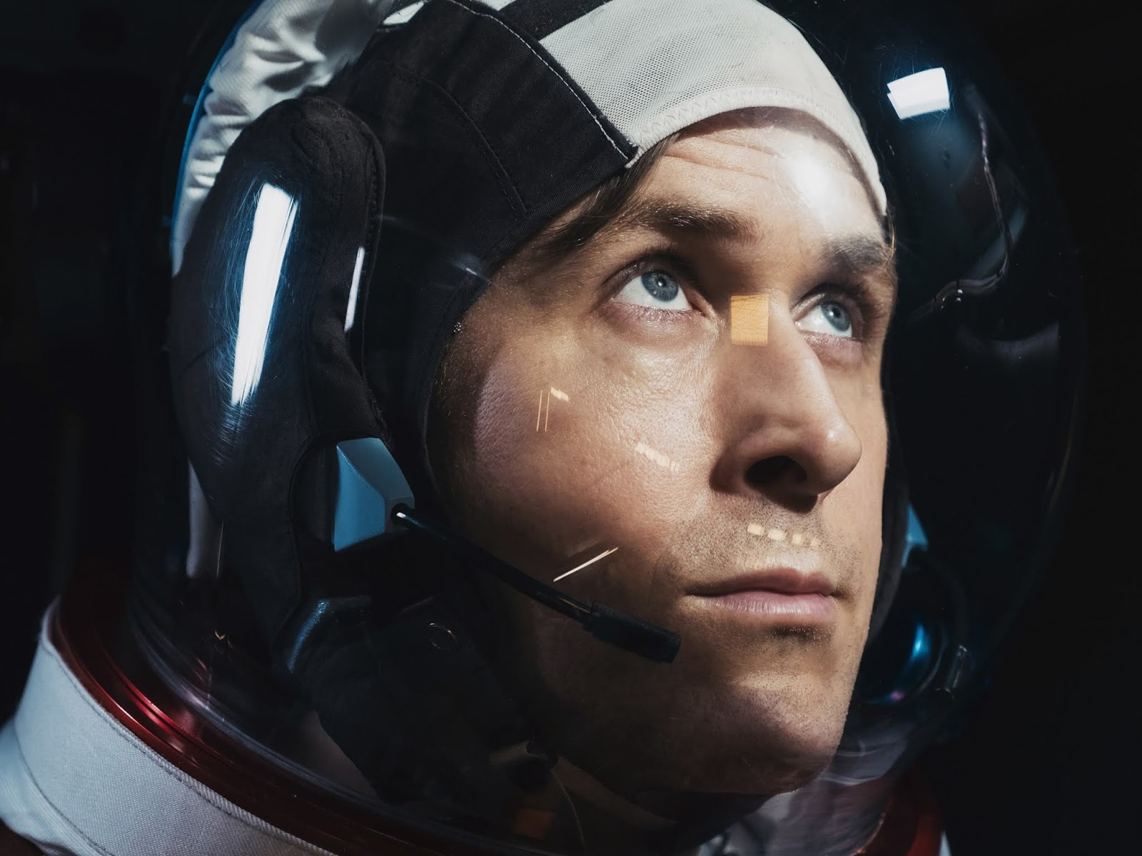 First Man Lifts Off As An Indie Blockbuster And Lands Perfectly