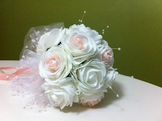 beyaz pembe gelin buketi gelin el çiçeği