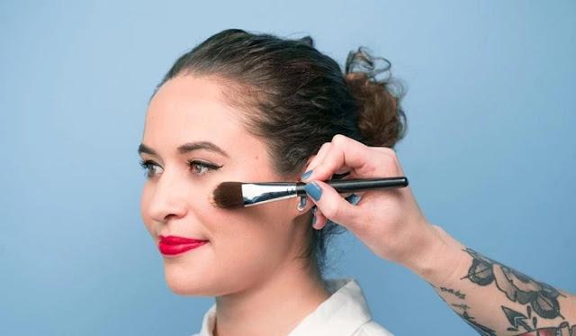 Langkah 6 Makeup - Memakai Blush On