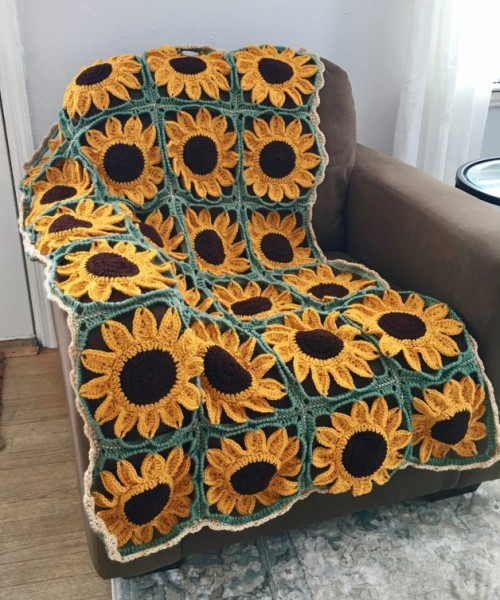 Sunflower Square Blanket - Free Pattern