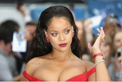 Fans in Awe as Rihanna Graced this Out Fit...View more