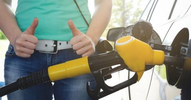 La alta caída récord en el precio de la gasolina hace que los gravámenes al combustible no generen dolor en SA 49
