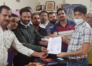 #JaunpurLive : सभासदों ने एसडीम को सौंपा ज्ञापन