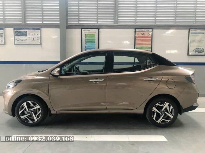 Hyundai i10 sedan 2021 hoàn toàn mới màu Vàng cát