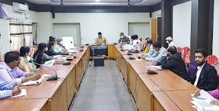 श्री रत्नाकर झा ने  कलेक्ट्रेट सभाकक्ष में जिला बाल संरक्षण समिति की बैठक ली