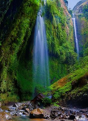 10 Effective Tips for Better Waterfalls Pictures Madakaripura Waterfalls1 Exploring Bromo Madakaripura, enjoy beautiful sunrise and and great waterfall