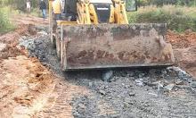 Jalan Rusak Parah Pelang Tumbang Titi Kini Mulai di Perbaiki Oleh Perusahaan Setempat