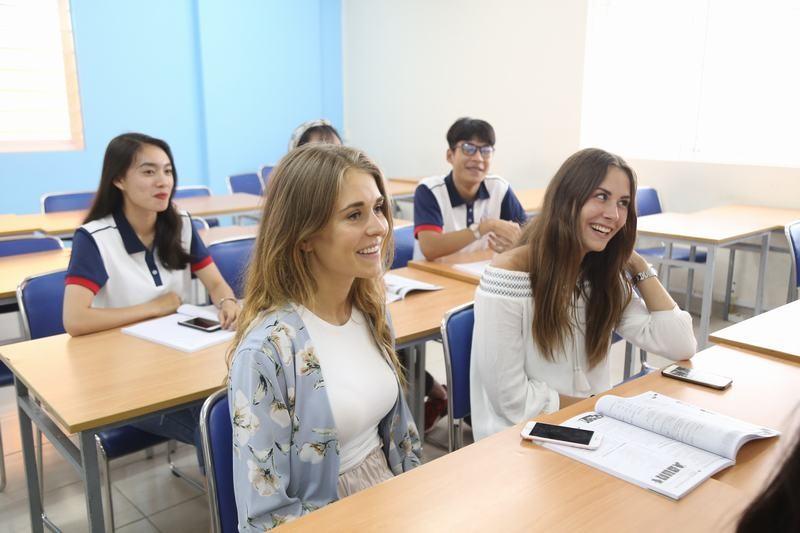Tư duy hướng ngoại là tố chất cần thiết để theo học ngành Ngôn ngữ Anh