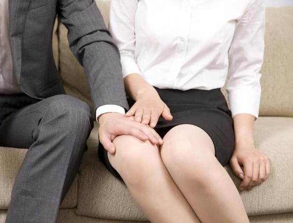 Kenali Tanda Pelecehan Seksual Yang Biasa Terjadi Dalam Kehidupan Sehari-hari.