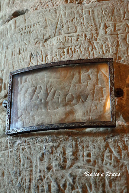 Graffiti de Byron en el sótano del Castillo de Chillon