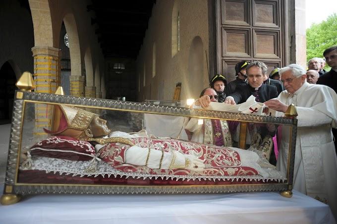 Dois Papas do mês de Maio: São Pio V e São Celestino V