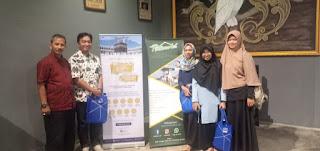 Foto bersama BFI Finance, PontiMarket, dan para blogger