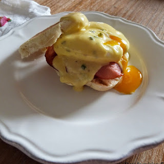 https://danslacuisinedhilary.blogspot.com/2015/05/british-fever-oeufs-benedicte-eggs.html