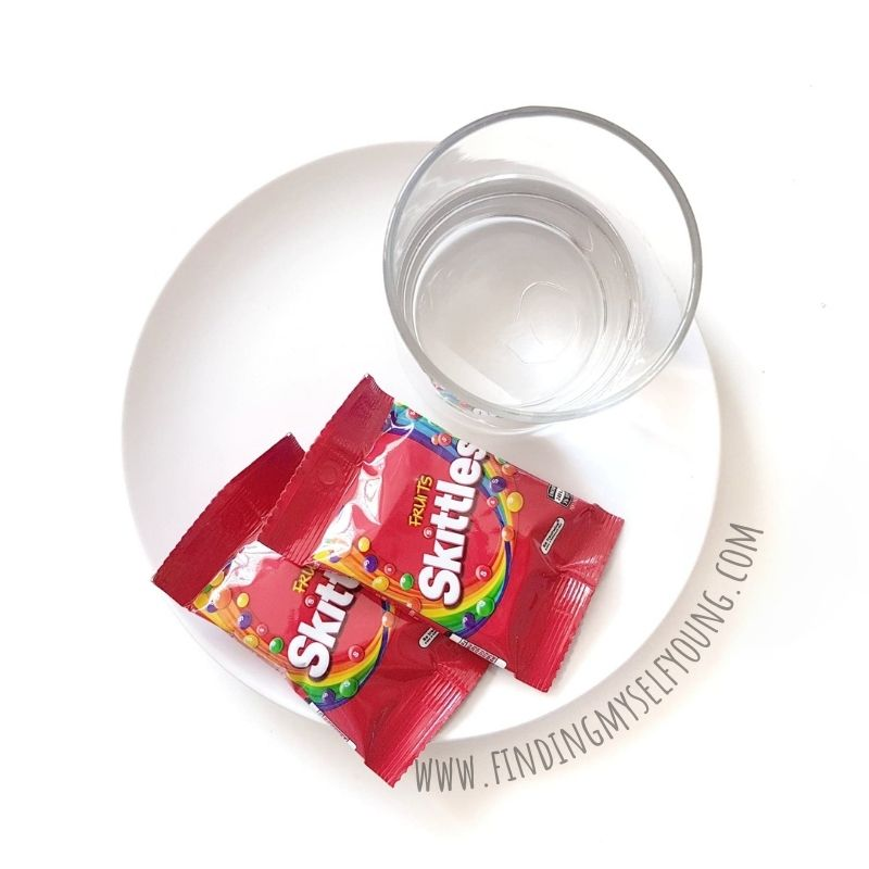 items needed to do the skittles rainbow experiment