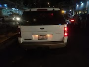 Agreden dos personas a una pareja de policías turísticos en Acapulco.