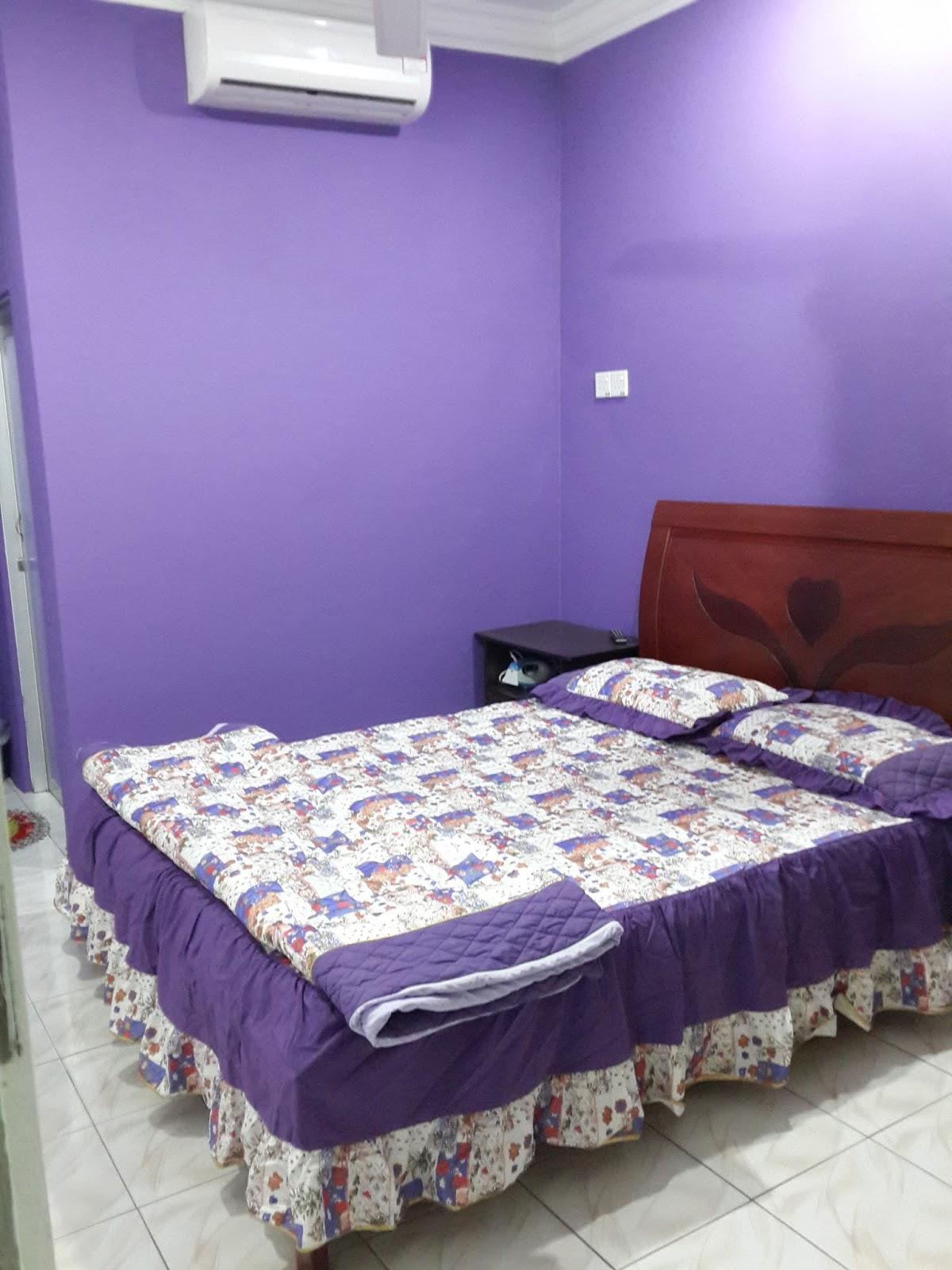Bilik Tidur 1 Dilengkapi Dengan 2 Katil Single Kipas Air Conditioner Tuala Tandas Water Heater