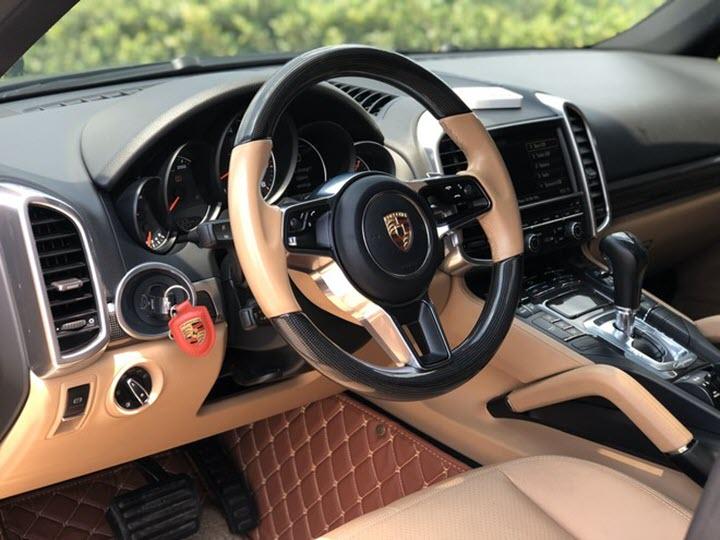 Porsche Cayenne rao bán 3 tỉ đồng sau 5 năm sử dụng