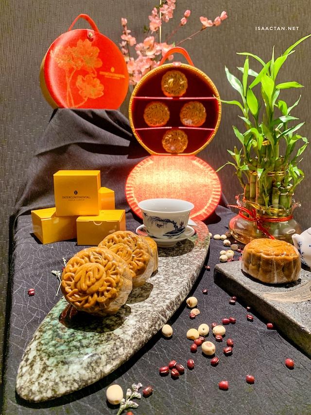 Tao Chinese Cuisine's Orient Lustre Mooncake Series