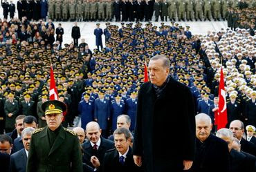 'Califa Muçulmano' Erdogan conquistaria a Europa em apenas 3 dias, afirma jornal turco