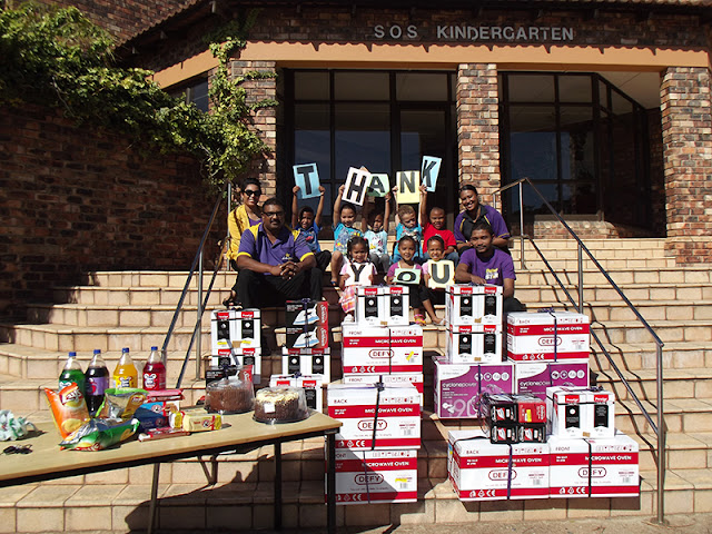 Hollywoodbets Sgt Peppers (Port Elizabeth) with donation to the SOS Children's Village