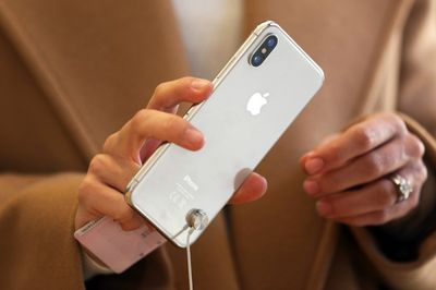 Apple Plans Giant High-End iPhone, Lower-Priced Model