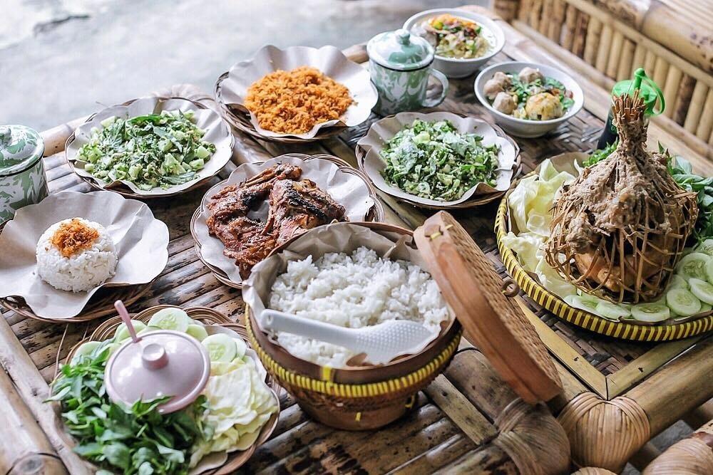 Wisata Kuliner Ingkung Mbah Kentol Jogja