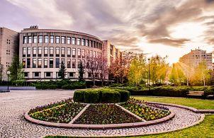 Türkiye'de kurulan ilk vakıf üniversitesi hangisidir?
