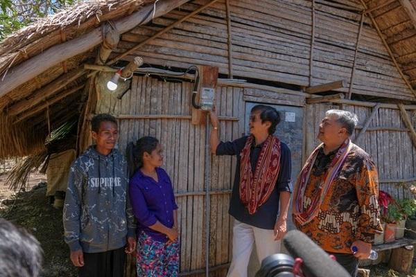 2.500 Warga Nusa Tenggara Terima Sambungan Listrik Gratis
