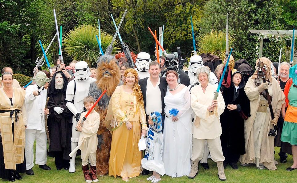 Is it weird ?: Unusual Weddings