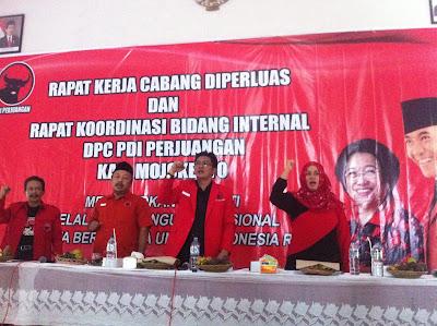 Genjot Kaderisasi, Ketua DPC PDI Perjuangan Kabupaten Mojokerto Minta Kader Senior Legowo
