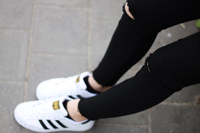 adidas superstar na nodze