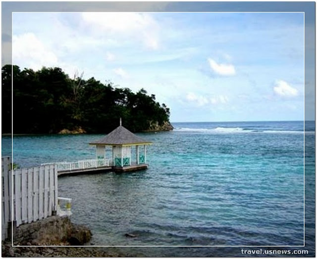 Blue Lagoon - Port Antonio  - Top 7 Best Places to Travel in Jamaica at Least Once in Your Life Time