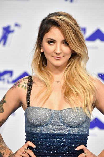Julia Michaels 2017 MTV Video Music Awards