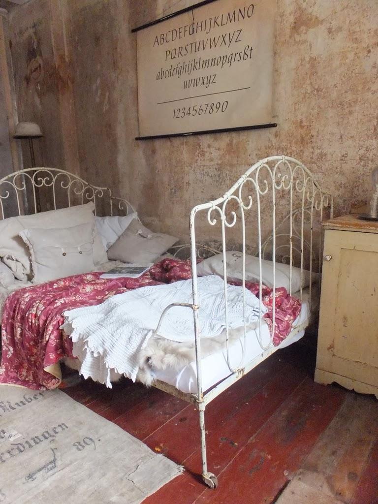 princessgreeneye: Schlafzimmer im \