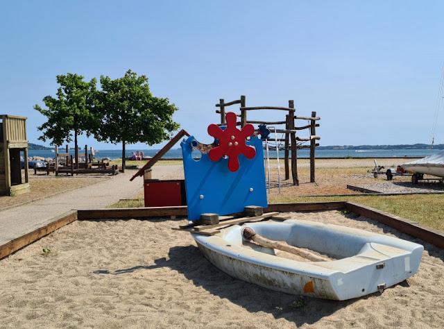 Drei geniale Rast- und Spielplätze auf der Fahrt in den Dänemark-Urlaub nahe der Autobahnen E45 und E20. Pause machen, Spielen und den Blick auf die Ostsee genießen im Aabenraa Hafen.