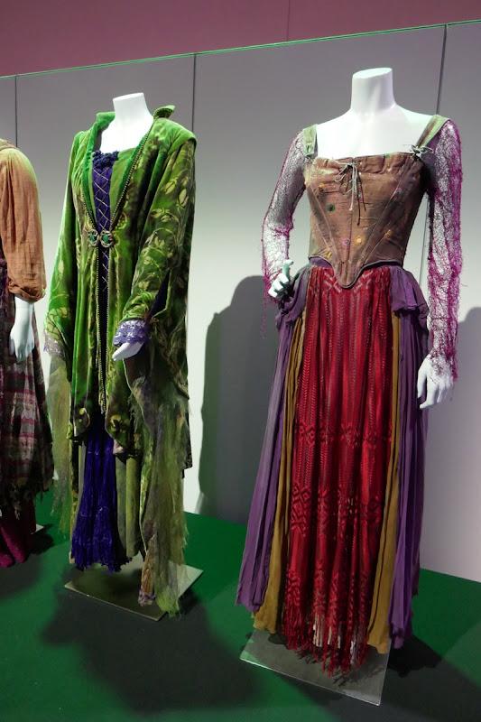 Hocus Pocus Winifred Sarah Sanderson costumes