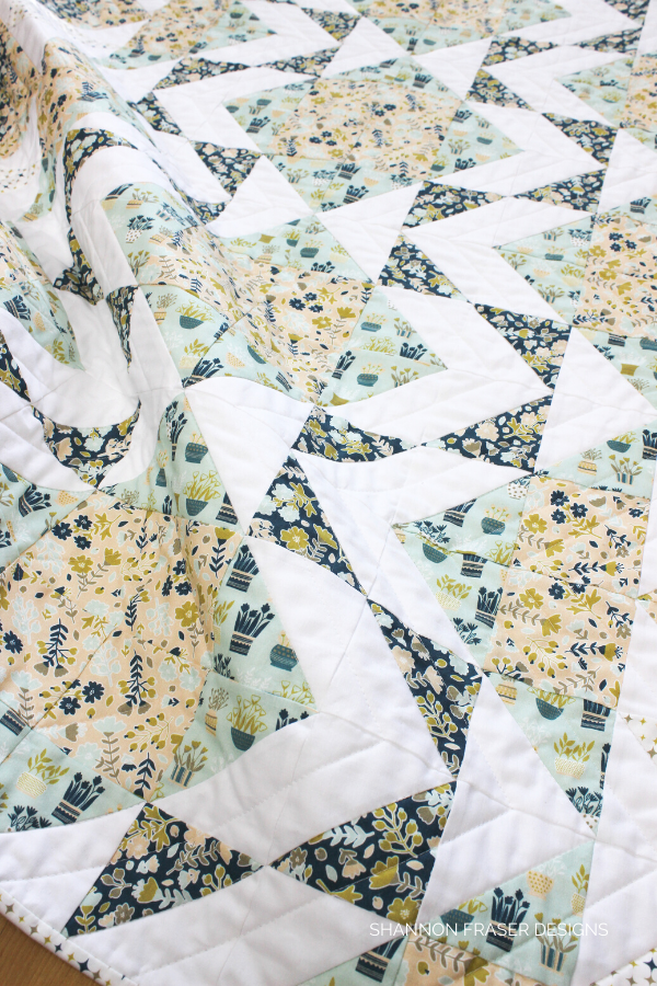 Neufchâtel Modern Aztec Crib Quilt | Shannon Fraser Designs #modernbabyquilt #quilts #babyquilt #modernnursery