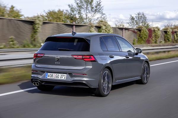Volkswagen Golf 8 tem recall por problemas de software